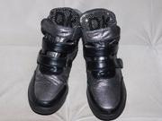 Ботинки серебристые 35-36 размер (22, 5см.)